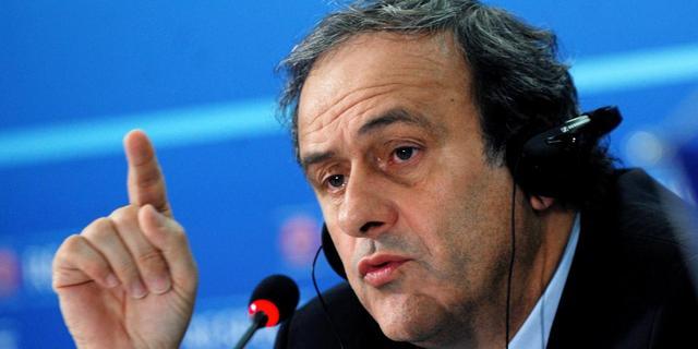 Platini boos door uitspraken Blatter en Valcke over WK 2022