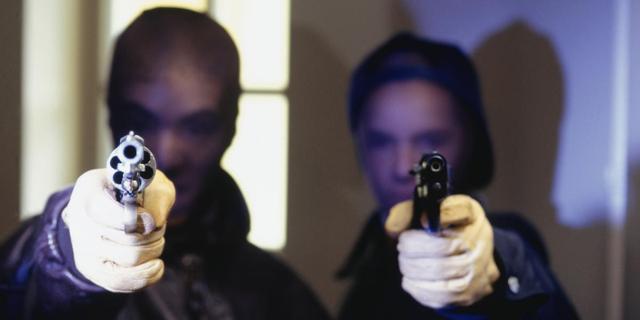 Halfbroers gearresteerd voor twee verschillende overvallen