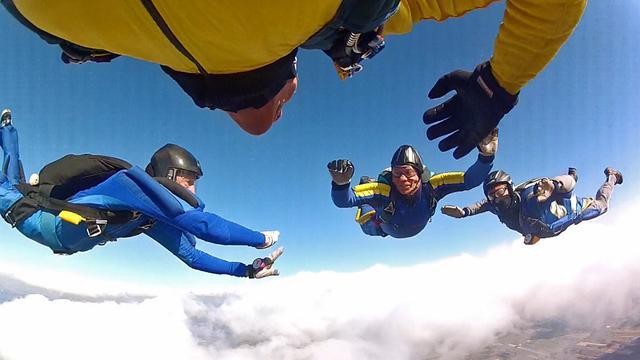 Parachutespringers ontkomen aan vliegtuigcrash