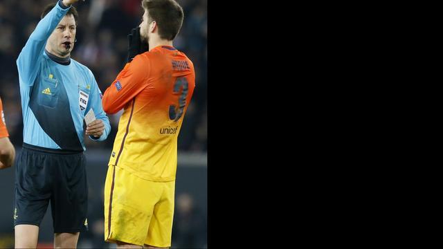 Barcelona beklaagt zich bij UEFA over arbiter Stark