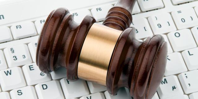 Silk Road-oprichter krijgt rechtszaak niet van tafel