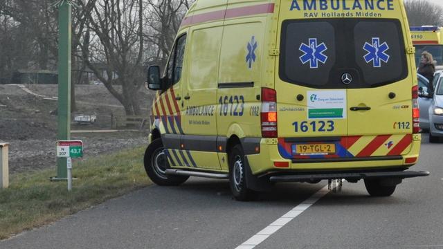 Man liegt mogelijk over weggerende vrouw ongeluk A27
