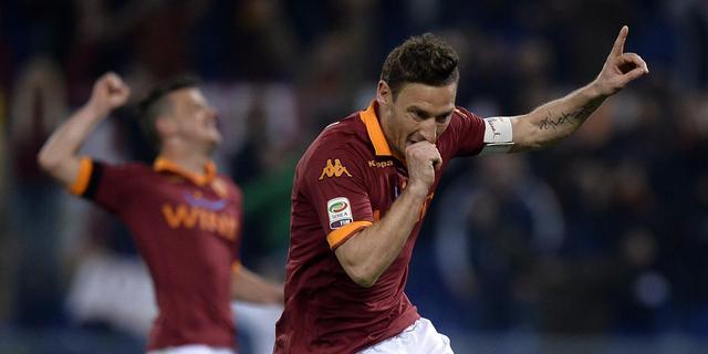 Totti zinspeelt na 22 seizoenen op afscheid bij AS Roma