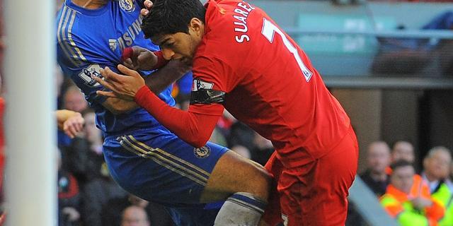 Hurtado steekt Suarez naar de kroon