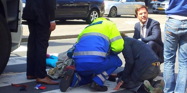 Rutte staat verkeersslachtoffer dodelijk ongeluk bij