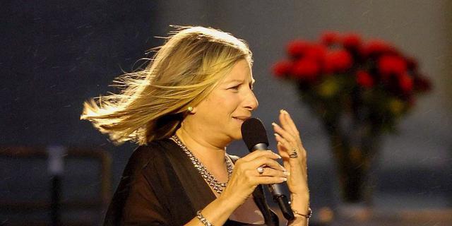 Barbra Streisand vraagt Tim Cook om stemassistent Siri aan te passen