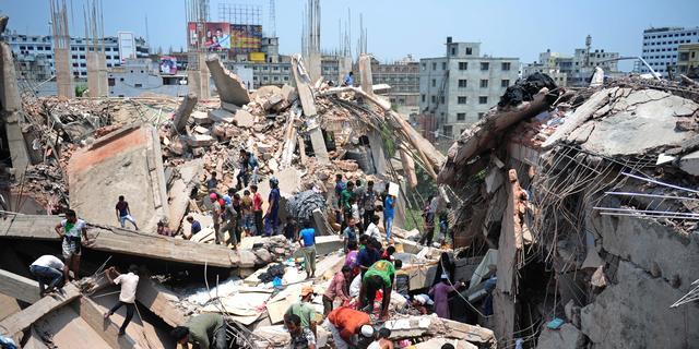 Meer dan 100 doden door instorten gebouw