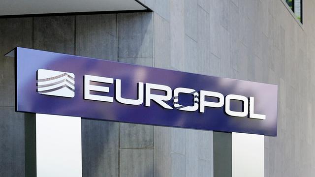 Vijftig Nederlandse 'geldezels' gepakt bij Europese politieactie