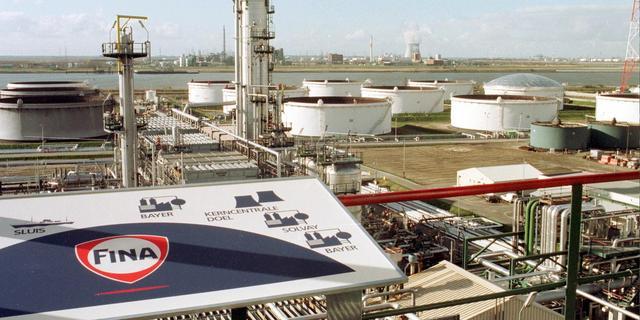 Flink minder winst oliemaatschappij Total