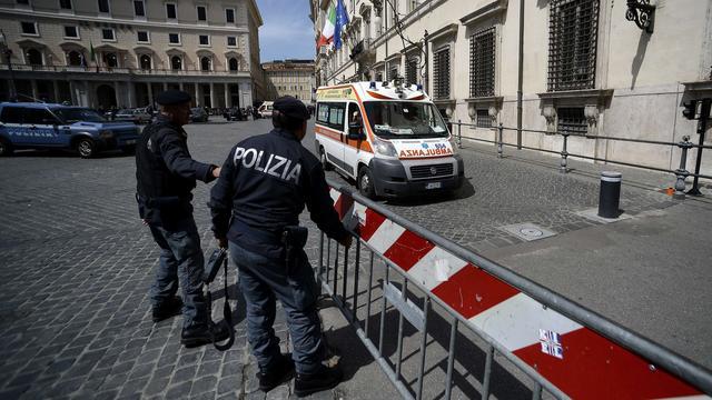 Wooncomplex van vier etages in Rome ingestort om onbekende reden