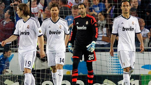 Barcelona kampioen na remise Real