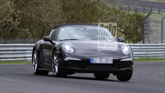 Porsche 911 Targa gefotografeerd tijdens testronden