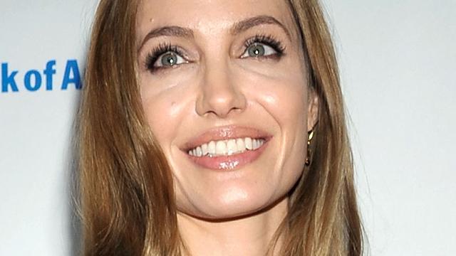Angelina Jolie heeft borsten preventief laten verwijderen