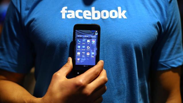 'Nederlandse Facebook-gebruikers zes uur per week actief'