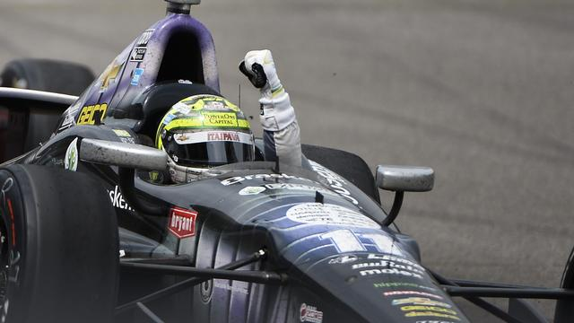 Kanaan rijdt record Luyendyk uit de boeken bij Indy 500