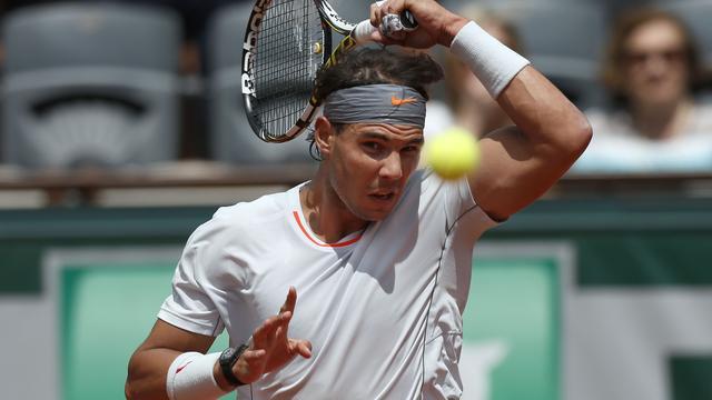 Nadal, Federer, Sjarapova en Serena Williams verder in Parijs