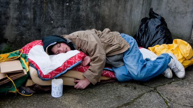 Belgische burgemeester arresteert daklozen die in kou buiten slapen