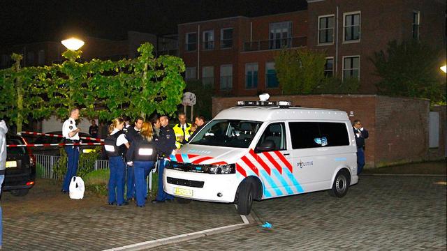 Politie schiet gijzelnemer neer in Nieuw-Vennep
