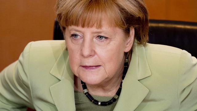 Merkel en Hollande overleggen over crisis