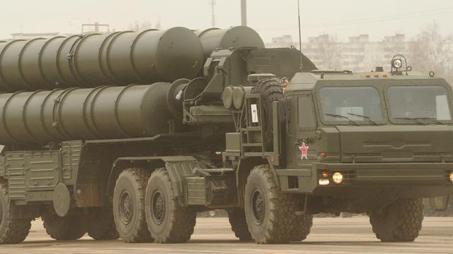 'Eerste S-300 raketten aangekomen in Syrië'