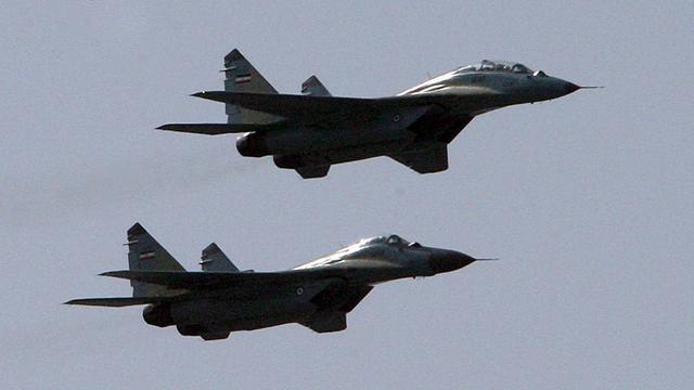 'Syrische straaljager gooit brandbom op schoolplein'