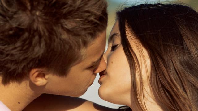 Fransen bedenken officieel woord voor 'French kissing'