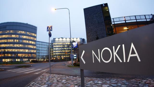S&P verlaagt rating Nokia