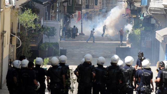 Opnieuw dode bij Turkse protesten tegen Erdogan