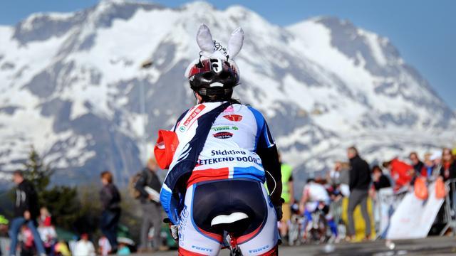 Alpe d'HuZes met 5000 mensen van start