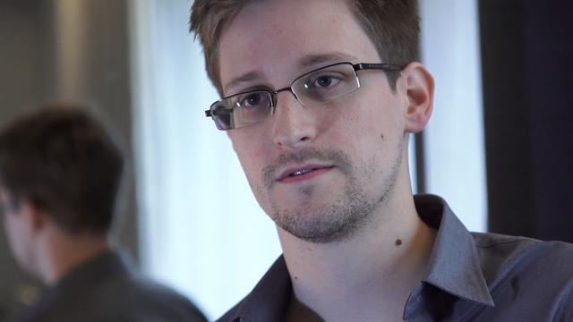 Rookgordijn rond vluchtende Snowden
