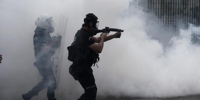 Politie in actie op Taksimplein