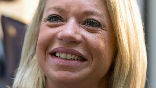 Hennis zwijgt over kernwapens in Nederland