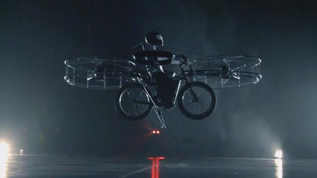 Tsjechische onderzoekers maken vliegende elektrische fiets