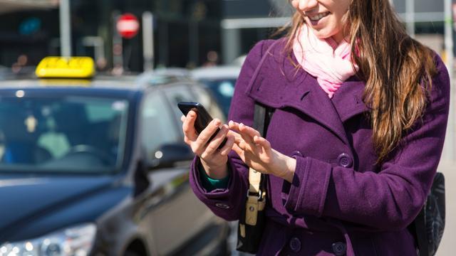 Europese roamingkosten medio 2017 afgeschaft