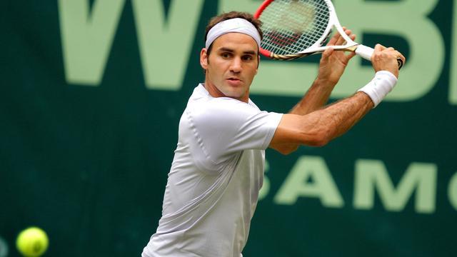 Federer staat geen game af tegen Zverev en treft Haas (video)