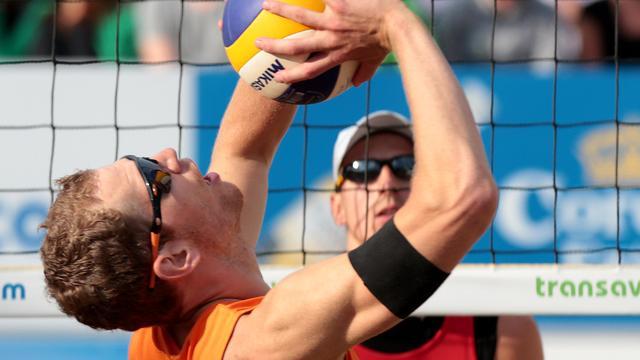 Brouwer en Meeuwsen naar kwartfinales WK beachvolleybal