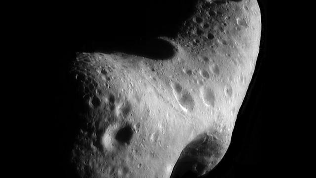 NASA wil ruimterotsblok verkennen
