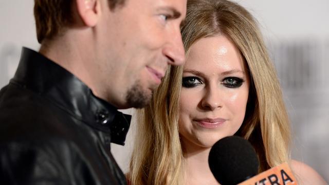Avril Lavigne viert verjaardag zonder Chad Kroeger