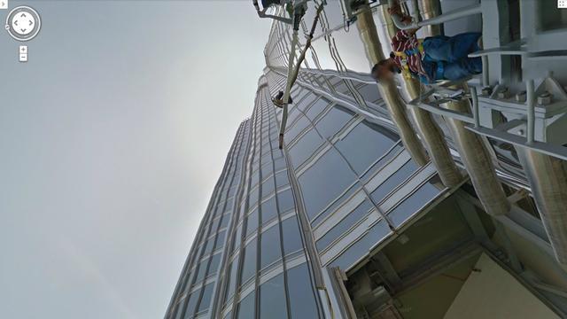 Glazenwasser overleeft val van elfde verdieping