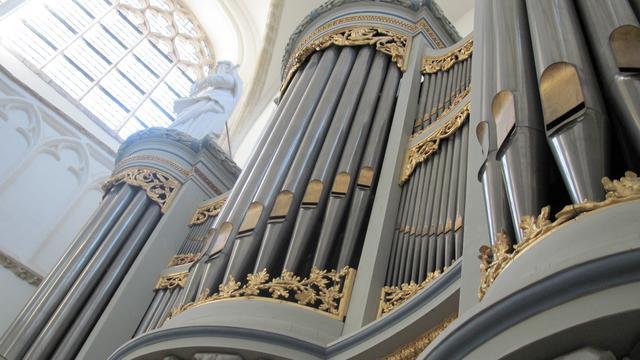 Toeschouwers kunnen liggend luisteren naar Canto Ostinato