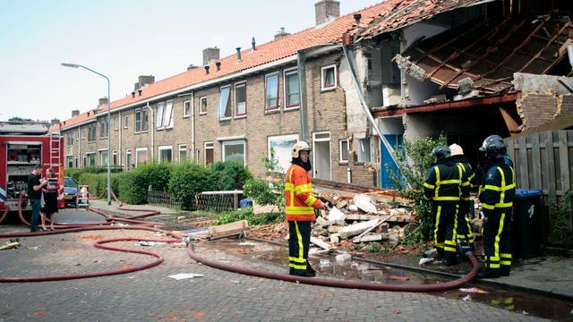 Achter de lens: Woning ontploft in Dordrecht