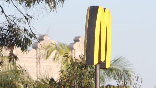 Vrouw gearresteerd na bizar incident bij McDonald's