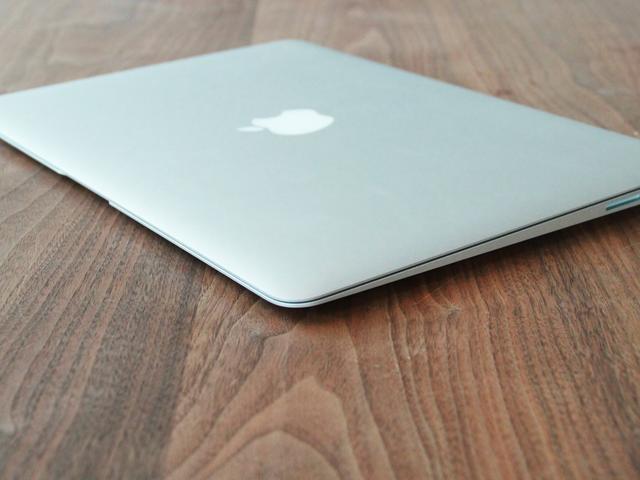 'Goedkopere MacBook krijgt retinascherm van 13 inch'