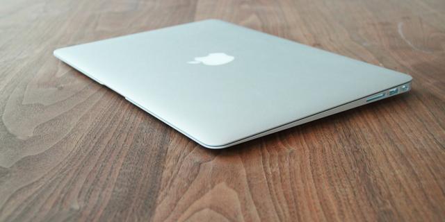 'Apple brengt Macbook Air ook in 15 inch-formaat uit'