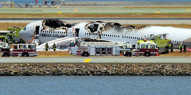 Brandweer overreed passagier rampvliegtuig San Francisco