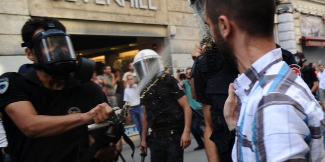 Turkse politie treedt op tegen betogers Istanbul