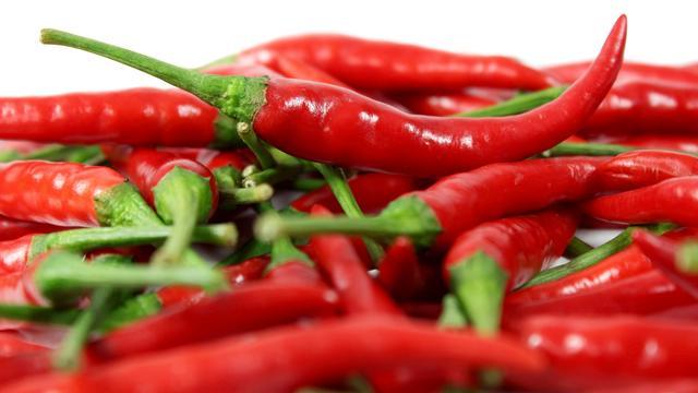 Brit wil opnieuw heetste chilipeper ter wereld eten voor gratis maaltijd
