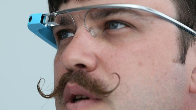 'Google lobbyt tegen verbod op Glass in de auto'