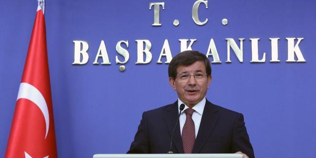 Turkse oud-premier houdt eer aan zichzelf en verlaat partij van Erdogan