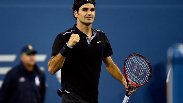 Federer bereikt met gemak derde ronde US Open